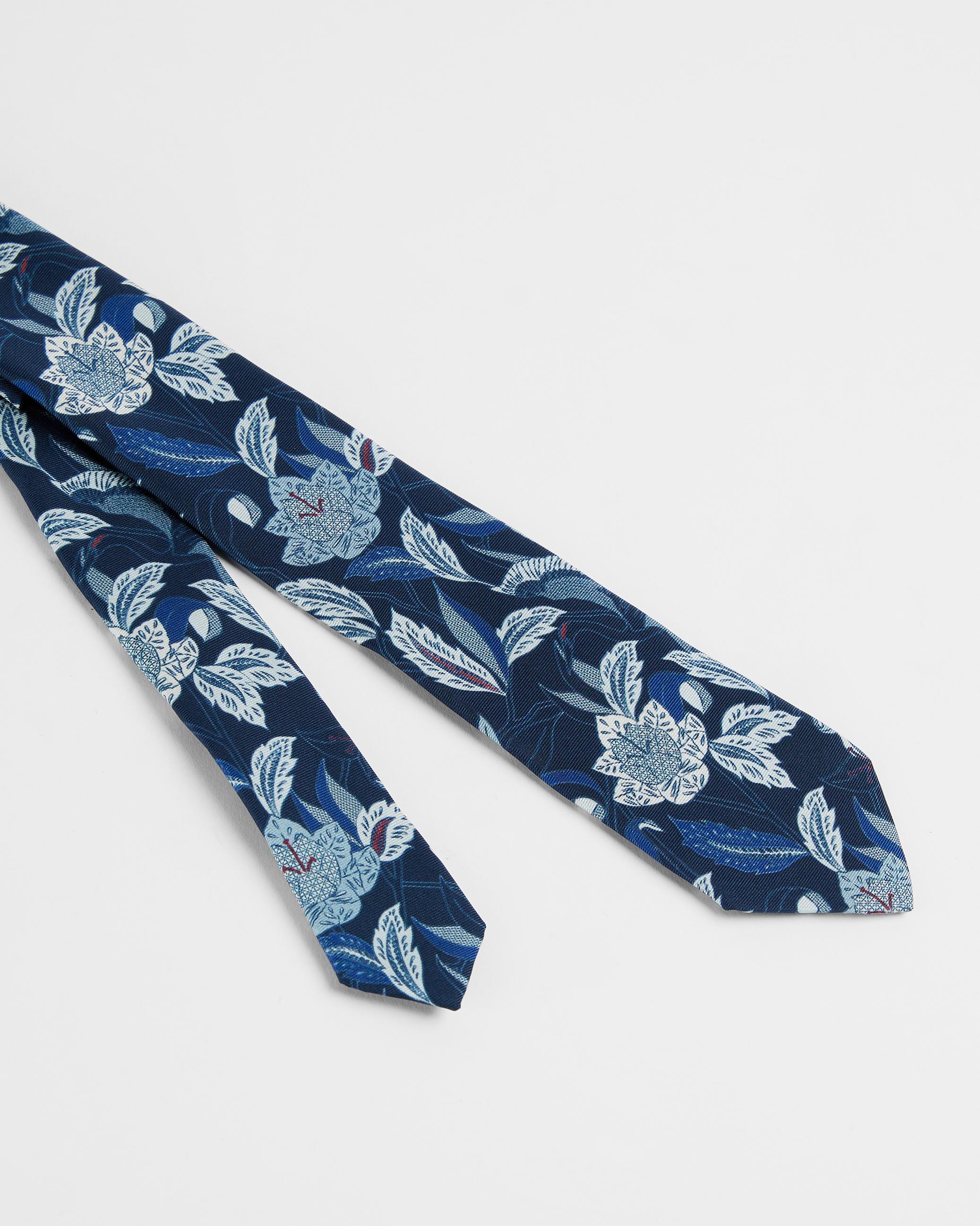 Ted Baker Noué Bleu Marine Cravate en soie avec motif fleuri