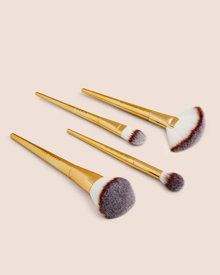 With Ted Face Brush Set