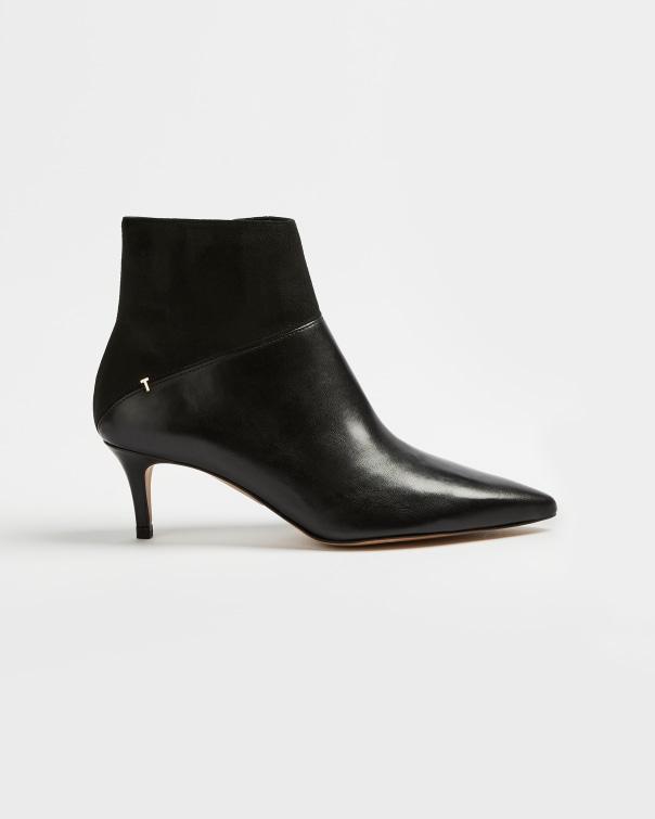 테드 베이커 Ted Baker Pointed toe ankle boot,black